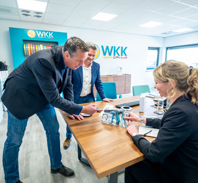 WKK employee gives extensive and personal product advice